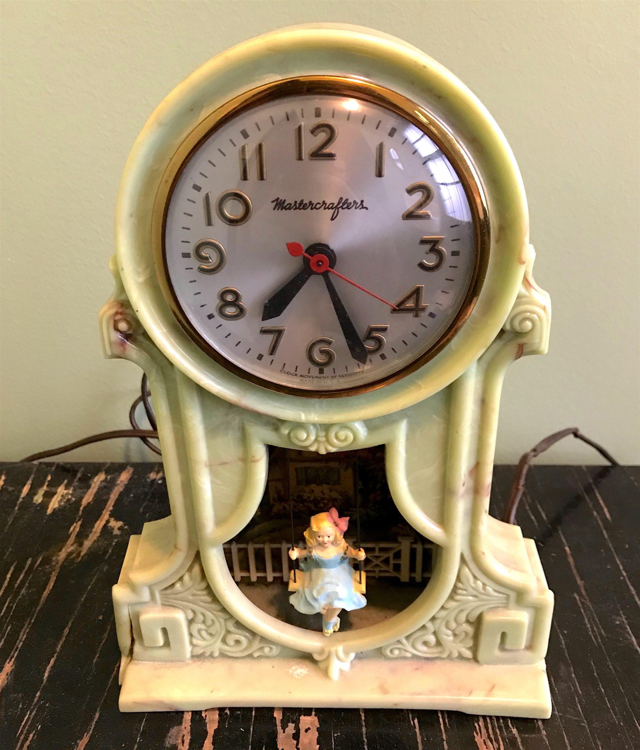 Mastercrafters Swingtime Bakelite Clock
