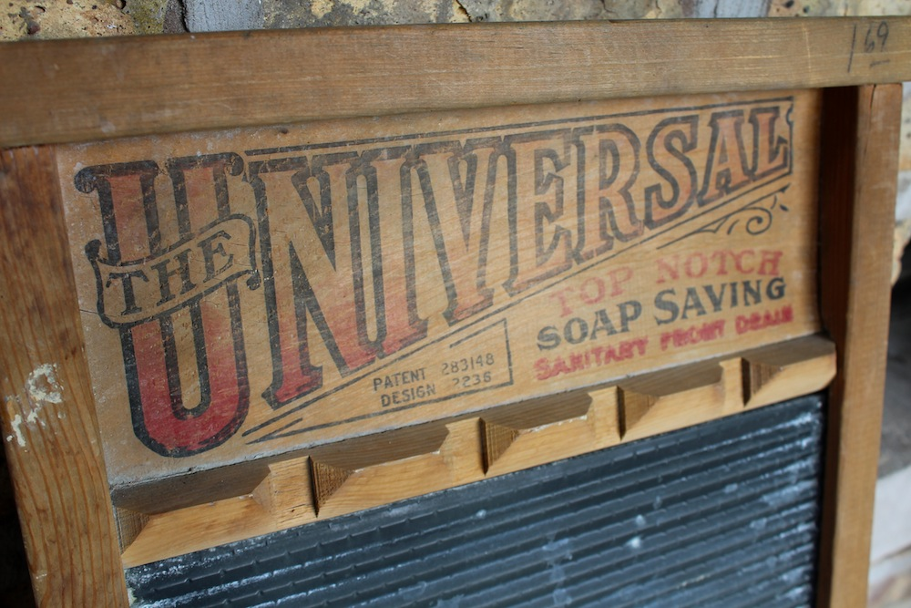 National Washboard Company History - Universal