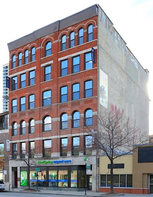 219 W chicago avenue